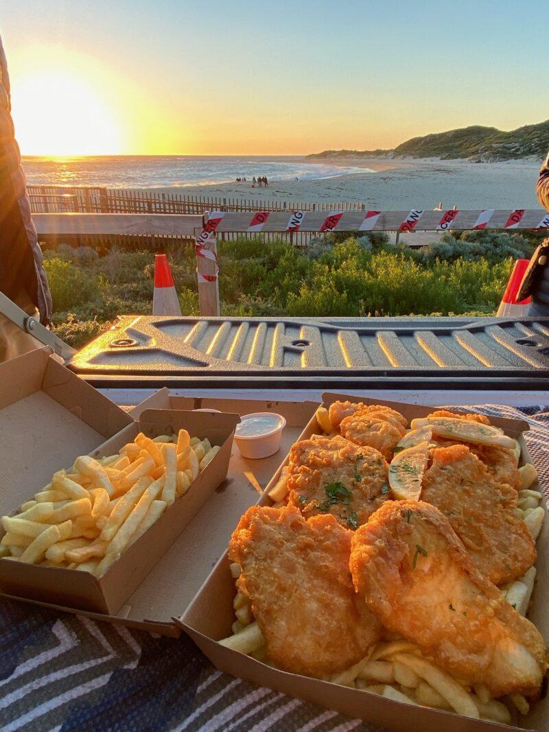 夕日とFish & Chips
