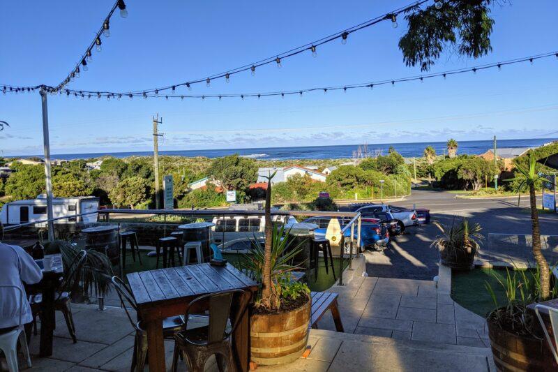 カフェから海の眺め